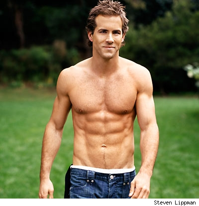 Ryan-Reynolds-ripped-physique