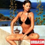 Carolina-Ardohain-black-bikini