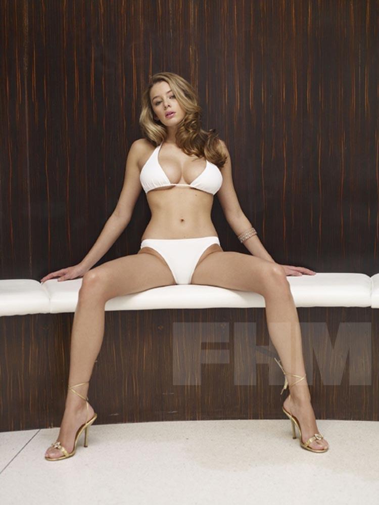 keeley hazell white bikini urbasm. Black Bedroom Furniture Sets. Home Design Ideas