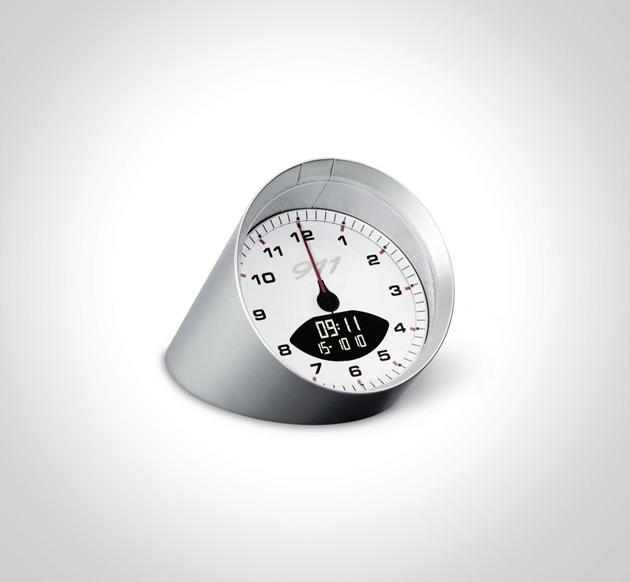 Porsche-911-alarm-clock-