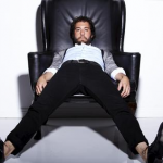 What is Jonathan Kite of 2 Broke Girls Thankful for?