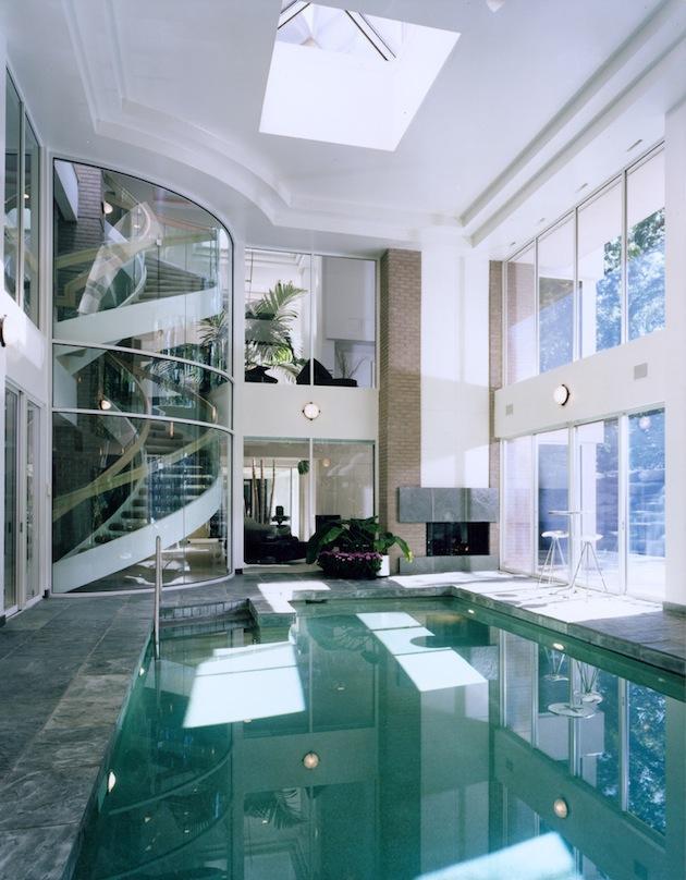 Bachelor-pad-swimming-pool-4