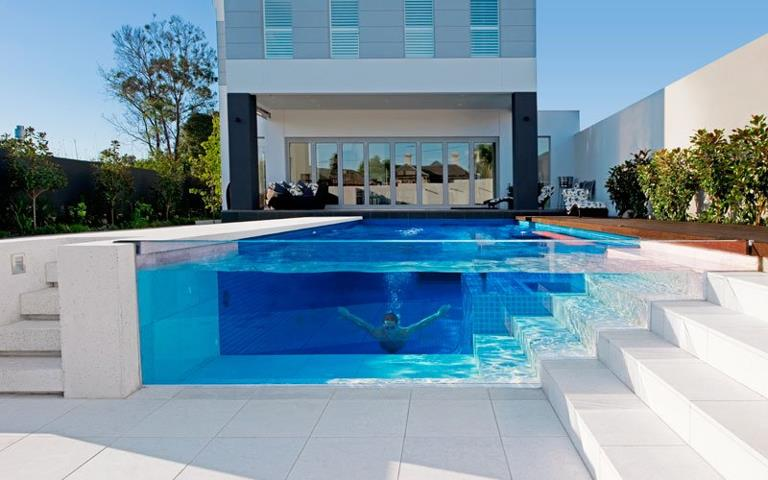 Bachelor-pad-swimming-pool