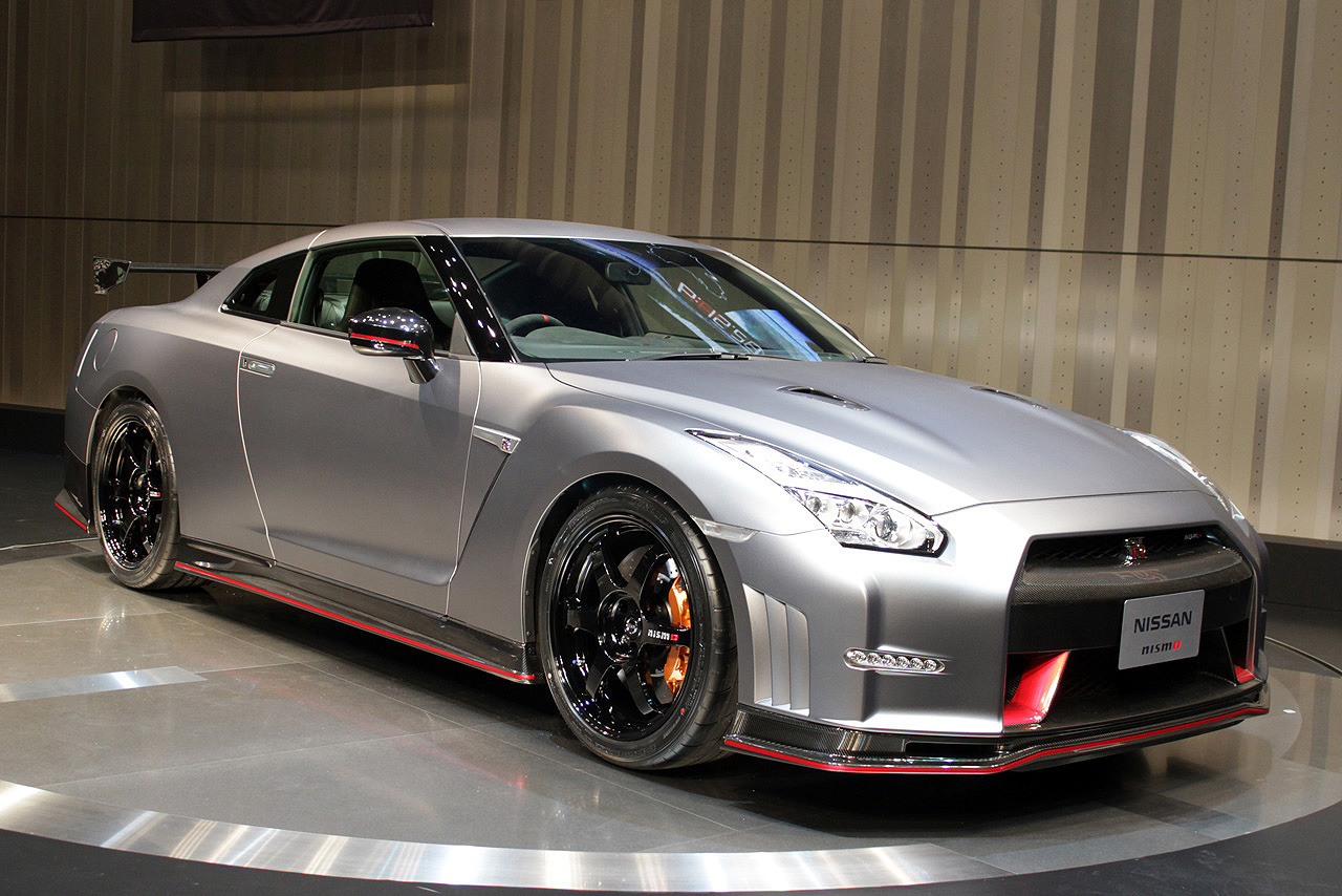 nissan gt r godzilla versus mechagodzilla urbasm. Black Bedroom Furniture Sets. Home Design Ideas