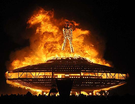 burning-man-nevada-2013-festival13