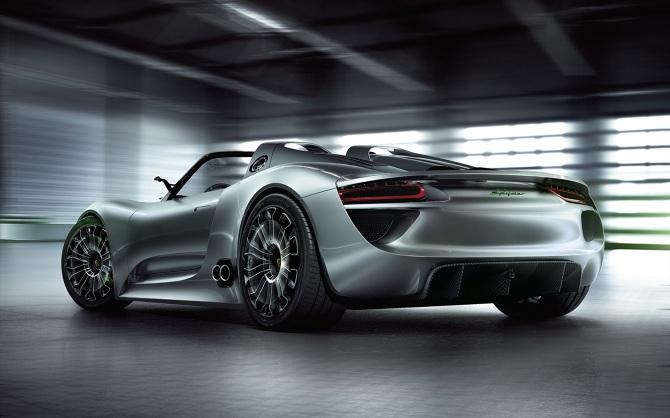 2014-Porsche-918-Spyder-2