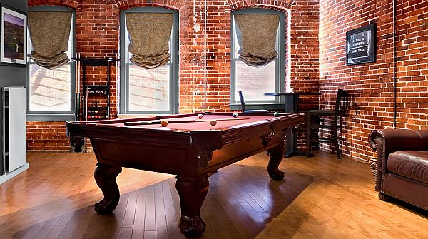 Cool Bachelor Pad Game Rooms Urbasm - Pool table pad