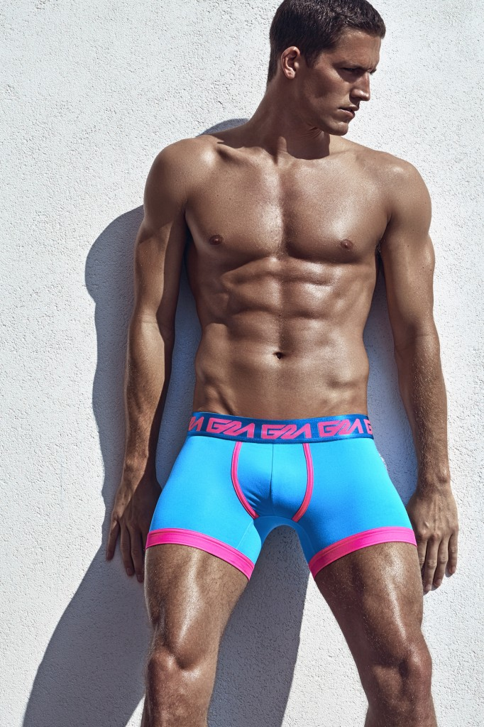 Garcon_model_underwear_Boxer-Blue-Pink-White-Wall-HR