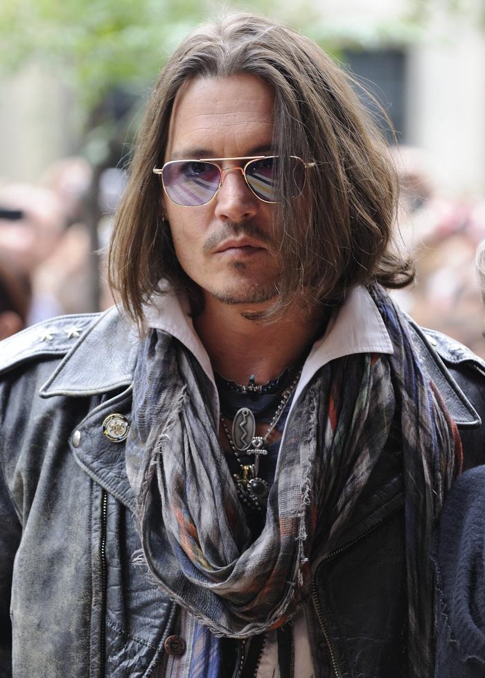 Johnny-Depp-scarf 2
