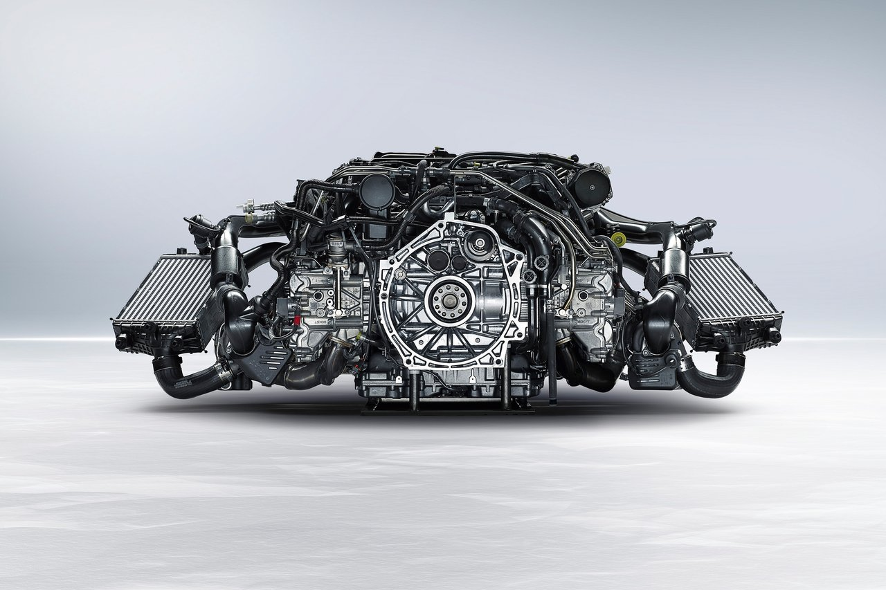2014-Porsche-911-Turbo-S-Engine
