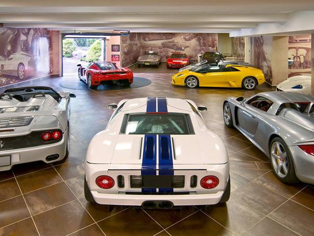 Outrageous Garage 16