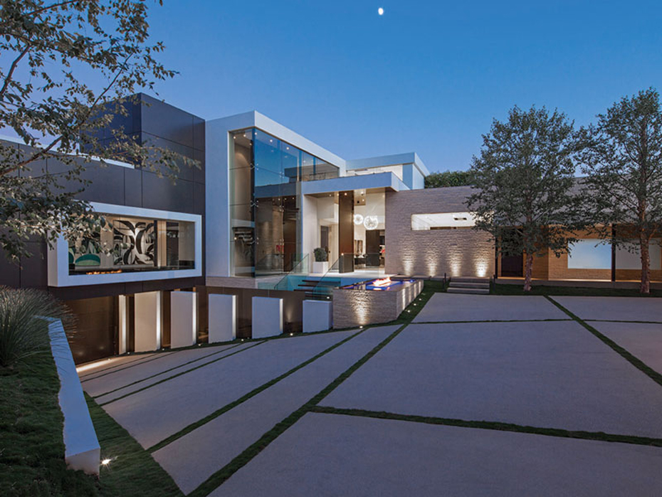 Million-Mansion-Driveway