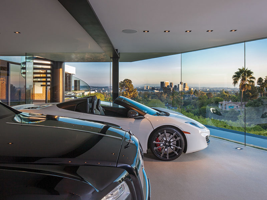 Million-Mansion-Garage-2