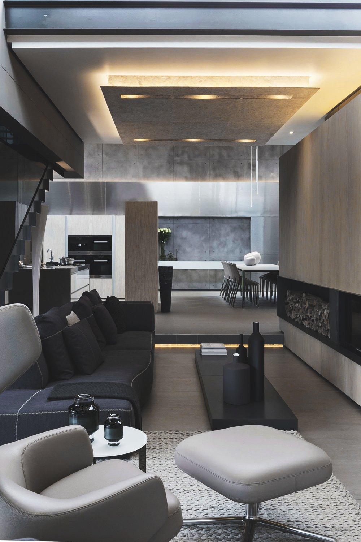 Man's Lounge 7