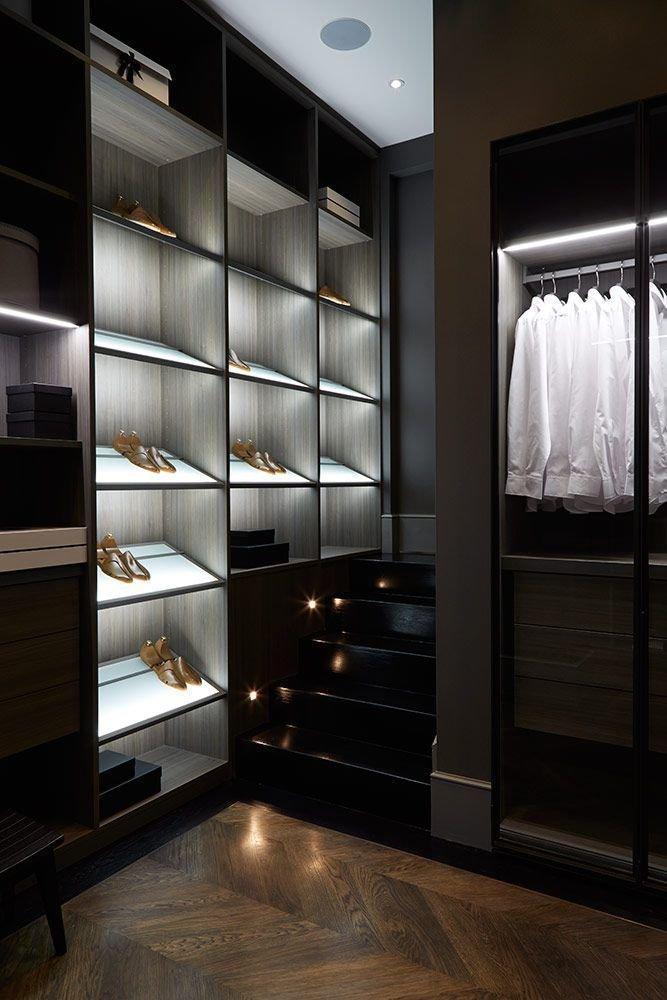 bachelors pad closet