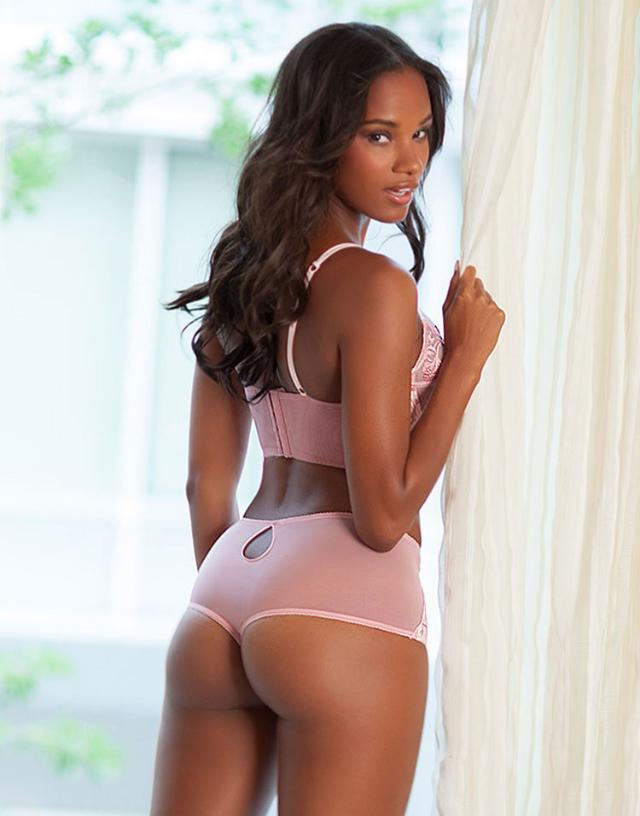 Eve Tramunt lingerie