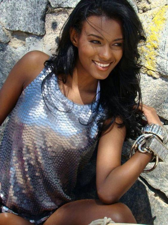 ebony beauty 3