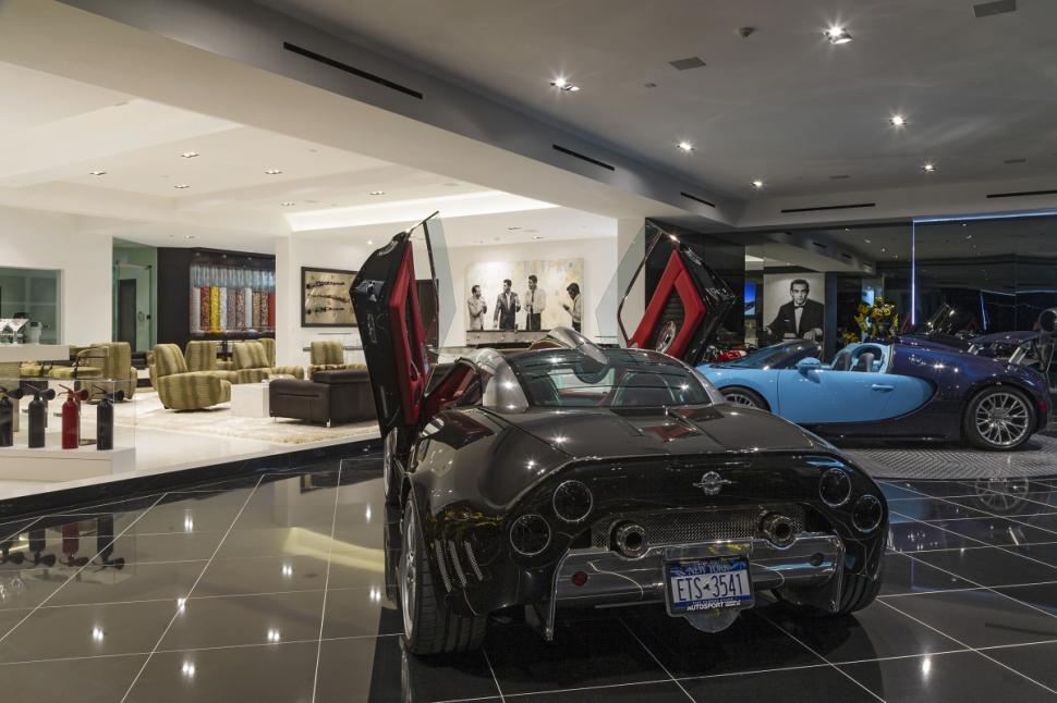Beverly Hills mansion - garage