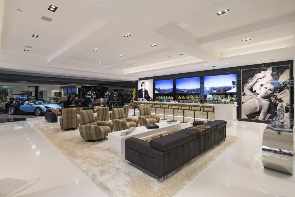 Beverly Hills mansion - garage 2