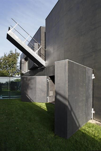 zombie-proof-house-picture1