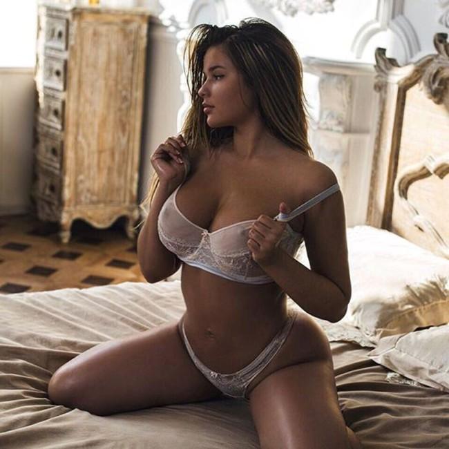 Anastasiya Kvitko - lingerie model - Urbasm