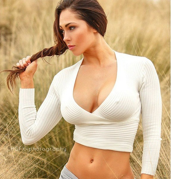 Hope Beel beautiful model