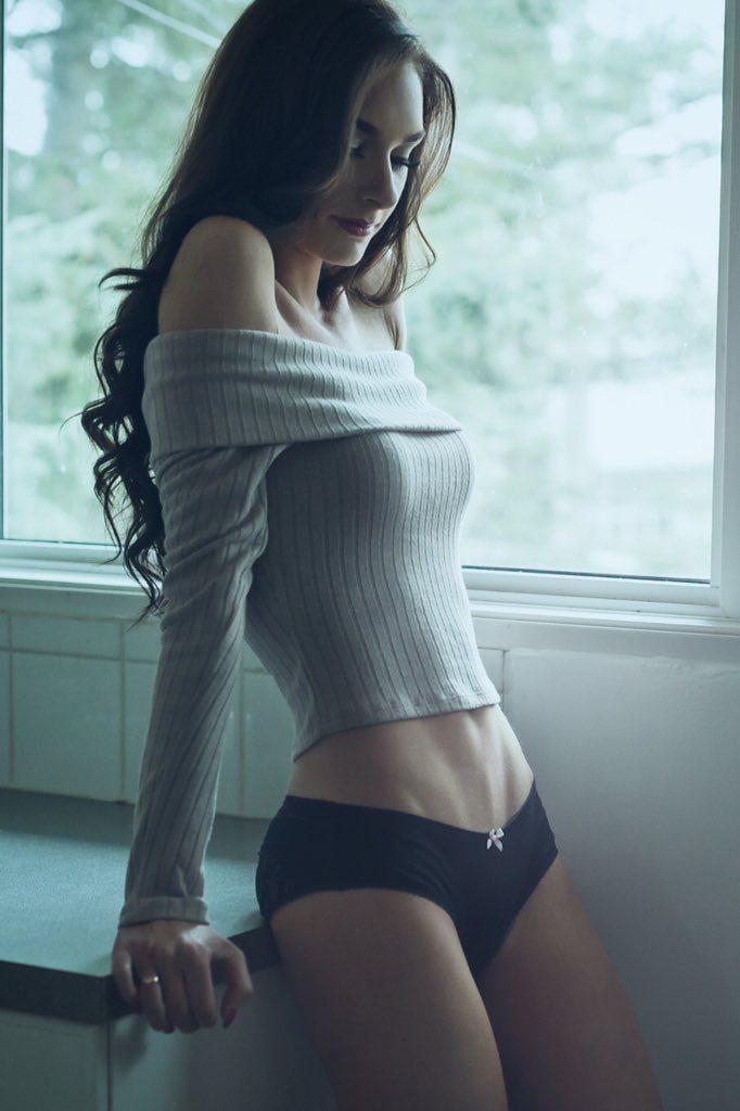 Sweater Puppies 3 - Urbasm-8510
