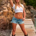 country girl - shorts boots