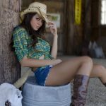 Women We Love –  Sexy Country Girls