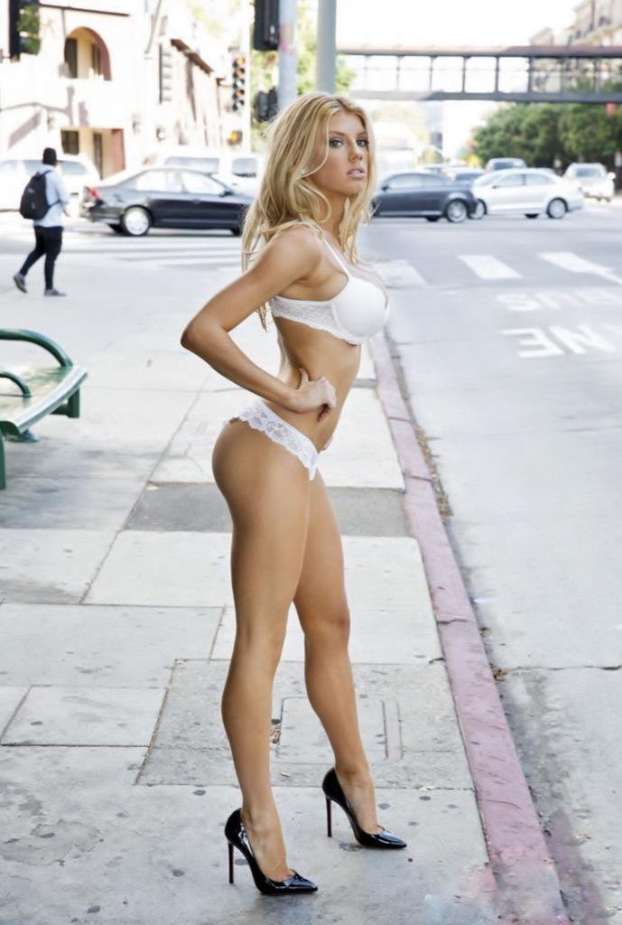 lingerie-on-the-street