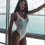 Women We Love – Sexy Swimsuits